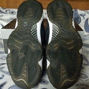 Jordan Shoes - JORDANS